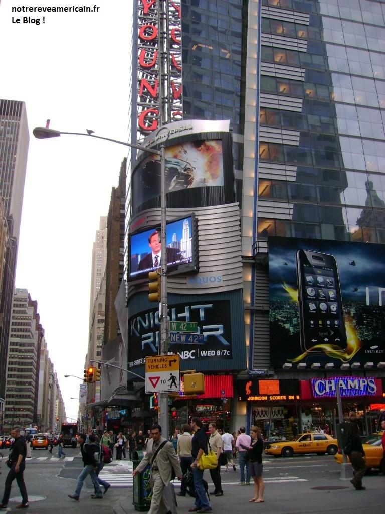 42e-angle-Broadway-Times-Sq_-768x1024