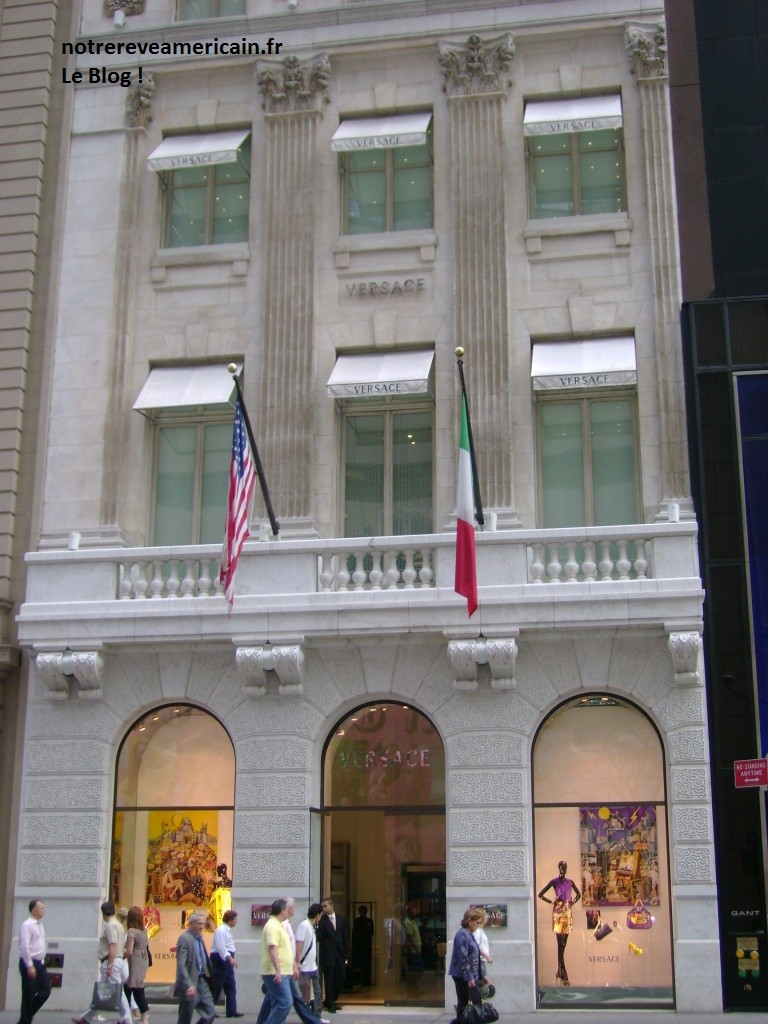 Versace-5th-Avenue-768x1024
