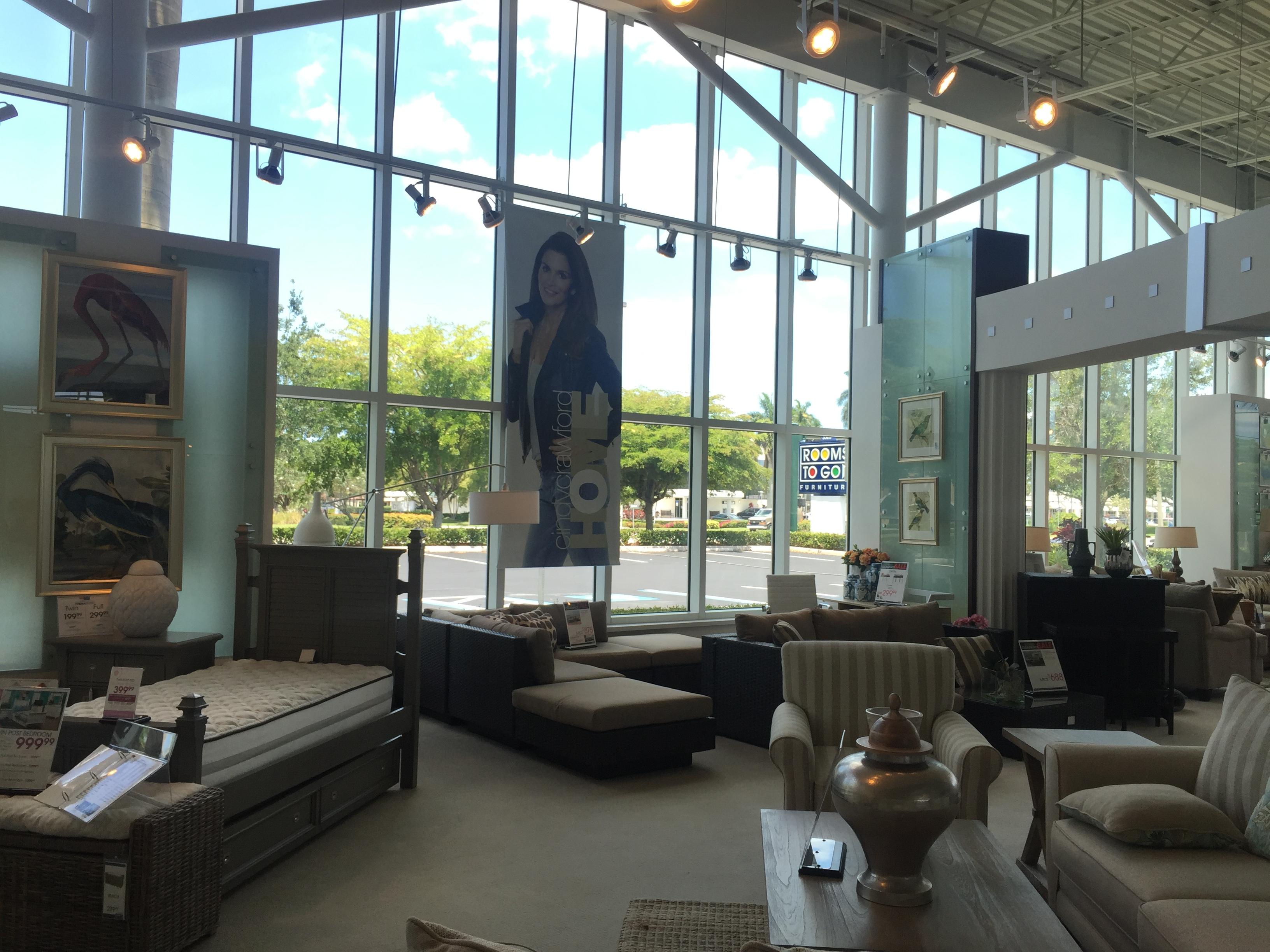 quelques magasins de meubles aux usa. Black Bedroom Furniture Sets. Home Design Ideas