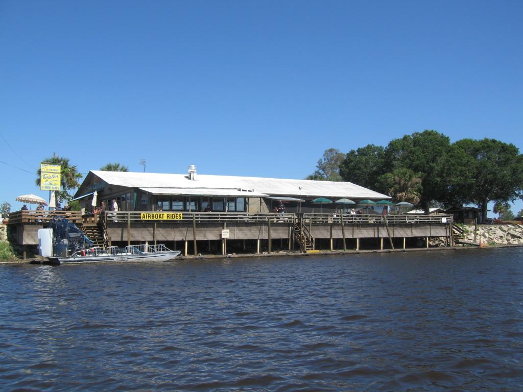 Lone_Cabbage_Fish_Camp_(Cocoa,_Florida)_001